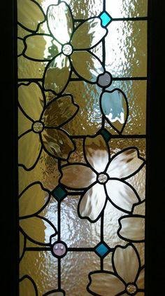 Stained glass -SAKURA- Chiyoda Kudan O House zoom