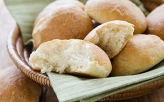 This Honduran staple, known as pan de coco, is like a plump dinner roll. Its delicious served alongside a meal of rice, beans and fried plantains. Or enjoy a roll simply with a cup of coffee in the morning or afternoon. Use coconut flour. Bread Recipes, Whole Food Recipes, Cooking Recipes, Healthy Recipes, Yummy Recipes, Healthy Food, Dinner Recipes, Healthy Eating, Gastronomia