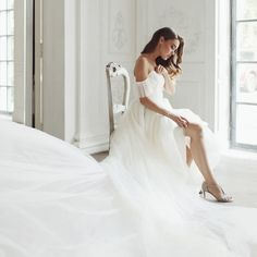 2e1b107af6a5672 1,659 отметок «Нравится», 9 комментариев — Zhenya Savina (@zhenyaswan) в  Instagram: «What a gorgeous bride I am shooting today - in love with this  Princess ...