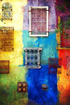 'Rainbow Colors' I like vivid colours of he subject matter and the use of boxes to separate the colours Colors Of The World, All The Colors, Bright Colors, Jolie Photo, Over The Rainbow, Color Of Life, Rainbow Colors, Color Splash, Color Inspiration