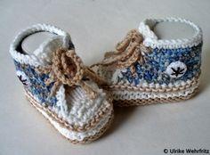 Babyschuhe Turnschuhe Handarbeit von strickliene von strickliene auf DaWanda.com