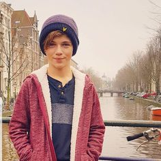 wow so beautiful photo my dear Ozzy. And yes you're really so handsome with clothes 😊😉🤗… Cute 13 Year Old Boys, Young Cute Boys, Nice Boys, Kids Clothes Sale, Cute Guys, My Best Friend, Kids Fashion, Baby Boy, Handsome