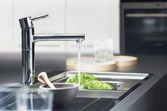 GROHE Essence 32171000 Смеситель для кухни.    http://www.santehmag.ru/category/smesiteli-grohe/   Смесители GROHE (Германия) - большой ассортимент немецких смесителей