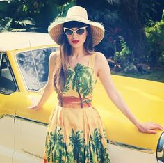 the Perfect Tiki hen Party Dress! Vintage Tiki, Vintage Mode, Vintage Girls, Tiki Dress, Dress Up, Palm Springs, Popular Fashion Blogs, Fashion Bloggers, Rockabilly