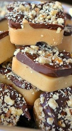 English Toffee Bites - Christmas sweets, desserts, snacks, cookies Fudge Recipes, Candy Recipes, Sweet Recipes, Dessert Recipes, Healthy Recipes, Simple Recipes, Healthy Meals, Cheap Recipes, Fast Recipes