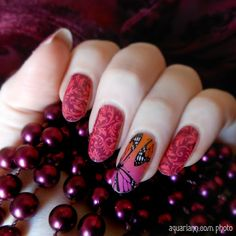 Times flies by on butterfly wings when you have fun @jamberrynails wraps to apply for #ManicureMonday!