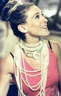 All-the-Necklaces Carrie Carrie would never wear just one strand of pearls when she could wear 20. Also, all thosenecklacesare good for co...