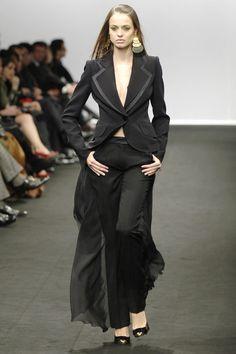 Jean Louis Scherrer at Paris Fashion Week Fall 2006 - Runway Photos