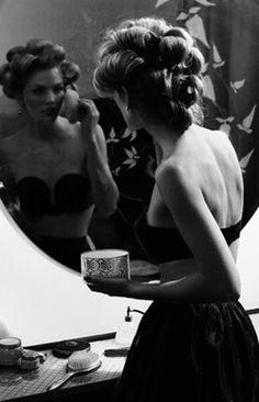 Julie Leah: A life & style blog: Semi -Wordless Wednesday: Beautiful Black & White