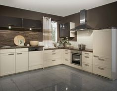 High gloss kitchen cabinets - models are designed through different furniture and decoration companies are launched. Kitchen Cabinets European Style, Kitchen Cabinets Grey And White, High Gloss Kitchen Cabinets, Kitchen Cabinets Models, Beige Kitchen, Beige Cabinets, Kitchen Models, Cream Cabinets, Maple Kitchen