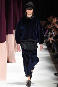 Henrik Vibskov - Copenhagen Fall 2015 - Look 26 of 44 Runway Fashion, Fashion Show, Mens Fashion, Fashion Design, Street Girl, Fall 2015, Autumn Fashion, Fashion Photography, Girl Outfits