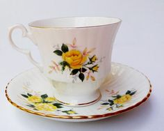 Royal Windsor Tea Cup and Saucer Fine Bone China Made in