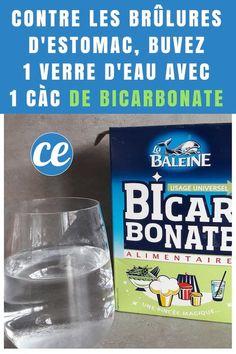 du bicarbonate de soude et un verre d'eau pour soulager les brûlures d'estomac