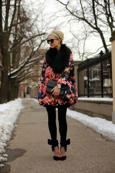 winter floral - Atlantic-Pacific Between Eadie // Atlantic Pacific and Glazer having these to die for shoes I may just have to break down and get them. Casual Chic, Style Casual, Passion For Fashion, Love Fashion, Womens Fashion, Fashion Trends, Floral Fashion, Dark Floral, Looks Style