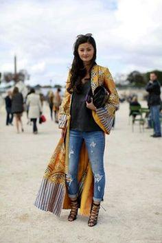 Los kimonos la prenda must de este verano-otoño. Puedes usalo completamente cerrado como vestido o a medias como blusa busca cual te gusta más y te v