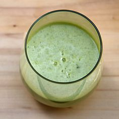 Kimberly Snyder's Green Smoothie Recipe For Weight Loss, I left out celery and pear...didn't have any but it came out really good!
