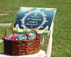 Salva a tus invitadas de hundirse en el cesped. // Save your guests from sinking into the lawn. #BarceloWeddings