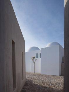 james gorst architects / greek orthodox private chapel, mikonos