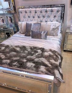 Feminine Bedroom Romantic Ideas Home ideas Dream Rooms, Dream Bedroom, Master Bedroom, Queen Bedroom, Master Suite, Bedroom Sets, Bedroom Decor, Bling Bedroom, Mirrored Bedroom Furniture