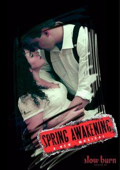 Interpretando el estelarisimo papel de Wendla, en la obra teatral Spring Awakening, el Despertar de la primavera, la joven artista venezolana Stephanny Noria, de solo 21 años y con solo 3 años en los EEUU , se destaca en esta obra dirigida por Patrick Fitzwater , esta basada en la original de Frank Wedekind, producida…