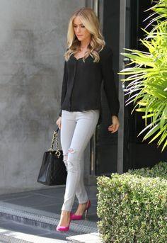 Kristin Cavallari Denim Chic : Jeans + Black Button Shirt + Fuschia Pumps
