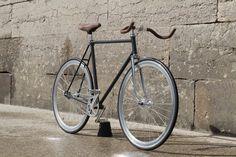 Vélo / Bike Liberia Vintage Campagnolo Pignon Fixe / Fixed Gear Cuir / Leather Gravure / Engraving Liberia, Gravure, Bicycle, Concept, Culture, Vintage, Fixed Gear, Leather, Bike
