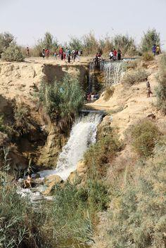 https://flic.kr/p/hP8DuQ | IMG_1512 | People enjoying the waterfalls at Wadi el Rayan. Fayoum, Egypt.