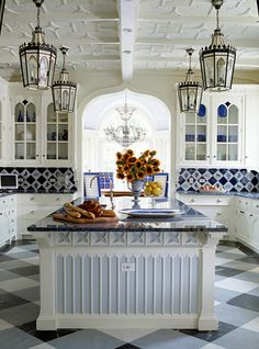 Blue & White - French Country ● Kitchen