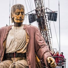 While I went to see the Royal de luxe giant puppets in Liverpool, I was amazed by their sheer size, ingenuity and beauty! This is the Giant Uncle Photography Portfolio, Puppets, Liverpool, Beauty, Beauty Illustration, Doll, Hand Puppets