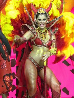 .Rio Carnival Samba, Brazil Carnival, Beautiful Costumes, Pictures Images, Dance Music, The World's Greatest, Belly Dance, Dance Costumes, Mardi Gras