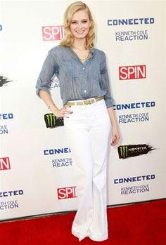 Sara Paxton in double denim # j brand jeans and nation LTD # women's fashion # denim pant # denim shirt # Spring Fashion Outfits, 70s Fashion, Denim Fashion, Summer Outfits, Sara Paxton, Light Blue Pants, Double Denim, J Brand Jeans, Pants Outfit