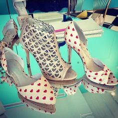 We heart our cruise shoes!!!