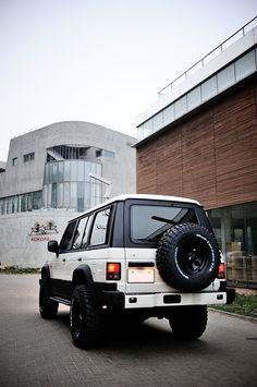 Off-look ver. Old English White : 네이버 블로그 Montero 4x4, Montero Sport, Off Road Wagon, 4x4 Off Road, Mitsubishi Shogun, Mitsubishi Pajero, Mk1, My Dream Car, Dream Cars