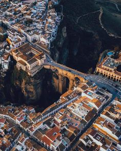 Adventure Photography, Travel Photography, Nature Photography, Portrait Photography, Voyage Hawaii, Ronda Spain, Voyage Europe, Beautiful Places To Travel, Romantic Travel