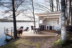 A special edition of inspiration posts brings Wanderlust Wednesday.a lake cabin it is! Outdoor Spaces, Outdoor Living, Summer Cabins, Haus Am See, Weekend House, Lake Cabins, Lake Cottage, Summer Kitchen, Cabins In The Woods