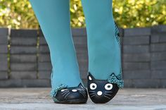Kitty shoes!!
