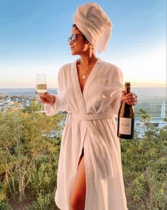 Royal Champagne - Luxurious Hotel and Spa in Épernay Paris Photography, Lifestyle Photography, Fashion Photography, Fall Outfits 2018, Photographie Portrait Inspiration, Estilo Blogger, Paris Chic, Peignoir, Glamour