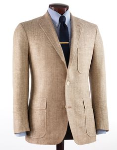 Wool sport coat, blues and a tie bar. Tan Jacket, Tan Blazer, Mens Sport Coat, Sport Coats, Ivy Style, Brown Suits, Best Dressed Man, Gentleman Style, Classic Outfits