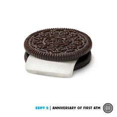 Oreo cookies and milk are like money in the bank. Oreo Treats, Oreo Cookies, Oreo Funny, Twist And Shout, Funny Ads, Creative Advertising, Marketing Ideas, Media Marketing, September 2