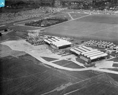 Hotel, terminal building and hangars at Croydon Airport, Waddon, 1932