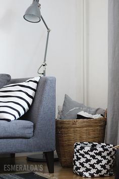 Esmeralda's Bed Lamps, Grey Style, Grey Fashion, Interior Inspiration, Sweet Home, Lounge, House Design, Throw Pillows, Colour