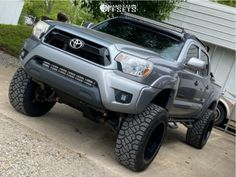 "2014 Toyota Tacoma - 20x12 -44mm - Hardrock Crusher - Suspension Lift 6"" - 33"" x 12.5"" 2014 Toyota Tacoma, Monster Trucks"