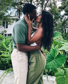 can fall in love w anybody whether its romantically or not and i think ppl forget that. i think falling in love is jus. Black Love Couples, Black Love Art, Black Is Beautiful, Relationship Pictures, Relationship Goals Pictures, Cute Relationships, Couple Goals, Cute Couples Goals, Couple Noir