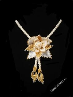 Necklace by Manufaktura Leo, white and gold flowers Gold Flowers, Leather Working, Leo, Pearl Necklace, Jewelry Making, Pearls, Diamond, Handmade, String Of Pearls