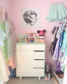 Scathingly Brilliant: room tour part 4: my closet