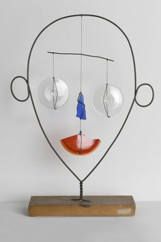 Alexander Calder, Little Face, c. 1943. Museum of Contemporary Art Chicago, the Leonard and Ruth Horwich Family Loan. © 2013 Calder Foundation, New York / Artists Rights Society (ARS), New York. Photo: Nathan Keay, © MCA Chicago.