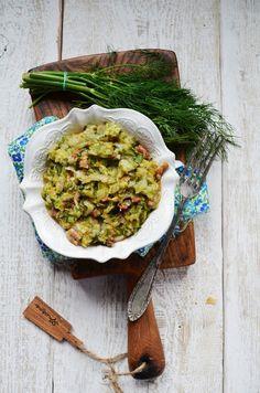 Kuchnia w zieleni: Młoda zasmażana kapusta z boczkiem