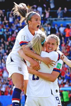 Tobin Heath, Julie Ertz, Rose Lavelle and Abby Dahlkemper