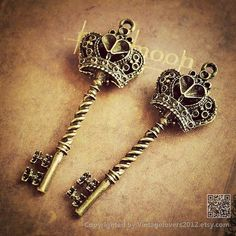 5Pcs- Skeleton Key Charms Antique Bronze Victorian Key Charm Old Fashioned Key Charm Vintage Style Pendant Charm Jewelry Supplies (PJ0017) on Etsy, $2.99