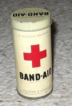 J vintage band-aids Vintage Tins, Vintage Labels, Vintage Love, Vintage Antiques, Vintage Stuff, Vintage Medical, Vintage Nurse, Tin Containers, Vintage Packaging